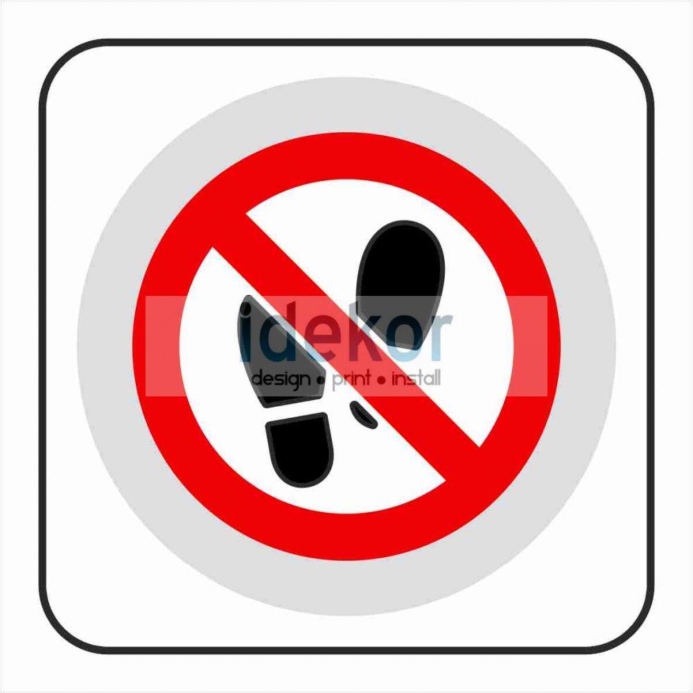 Belépni tilos matrica/felirat/tábla