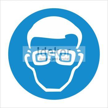 Védőszemüveg viselése kötelező!